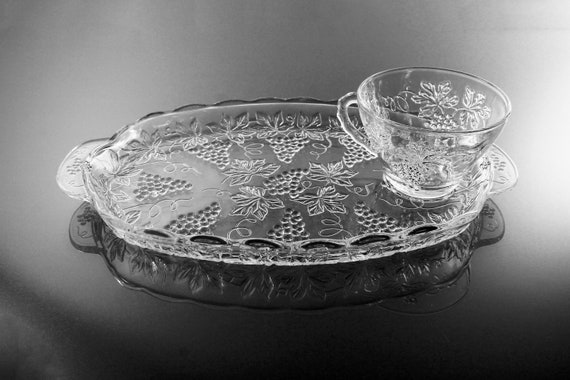 Snack Trays and Cups, Anchor Hocking, Vintage Pattern, Grapevine Design, Set of 3, Clear Glass, Plates and Cups, Luncheon Sets