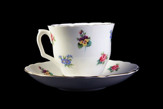 Teacup and Saucer, Staffordshire, Bouquet, England, Bone China, Floral Pattern, 22 Kt. Gold Trim