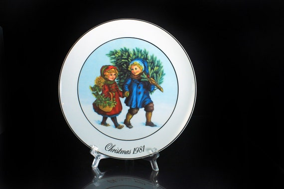 1981 Collectible Plate, Avon, Sharing The Christmas Spirit, Display Plate, Christmas Plate, Decorative Plate, Wall Decor