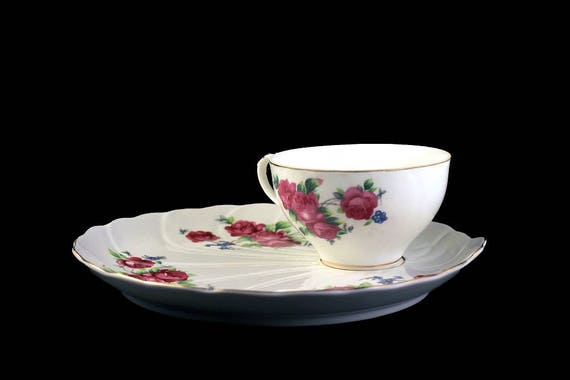 Snack Set, Snack Plate and Teacup, Rose Pattern, Bone China, Shell-Shaped Plate, White Body Plate, Rose Design, Luncheon