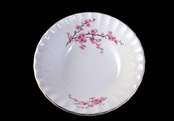 W S George, Vegetable Bowl, Peach Blossom, Bolero Shape, Round, Pink Flowers, Pink and White, Pink Floral