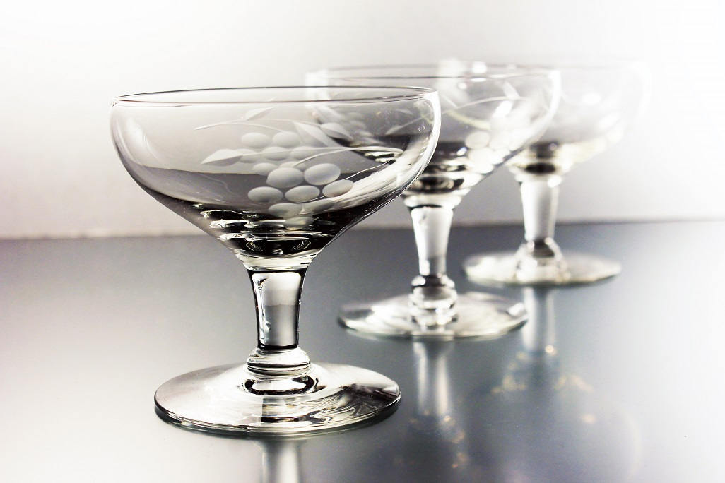 Etched Coupe Champagne Glasses Grape Vine Pattern Tall Sherbet Glasses Set Of 3 Clear Glass Barware