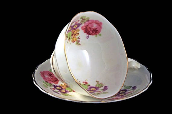 Teacup and Saucer, Crownford, England, Bone China, Floral Pattern, Gold Trim
