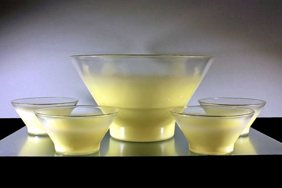 Blendo Salad Set, West Virginia Glass Specialty, 5 Piece Set, Yellow Pastel Glassware, Frosted Glassware, Fruit Bowl, Chip Set
