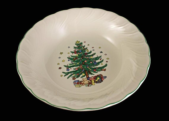 Christmas Vegetable Bowl, Nikko, Happy Holidays, Holiday Bowl, Made in Japan, Discontinued, New in Box