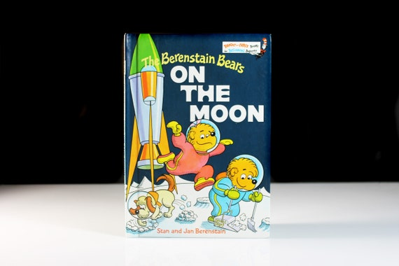 Children's Hardcover Book, The Berenstain Bears, On The Moon, Collectible, Picture Book, Illustrated, Fine Condition