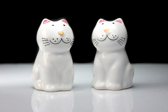 Cat Salt and Pepper Set, White, Shakers, Figural, Cat Shaped, Kitchen Decor, Collectible, Made in Brazil