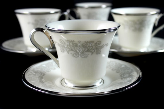 Footed Cups and Saucers, Lenox, Snow Lily, Discontinued, Cream Color, Set of 4, Fine China, Like New