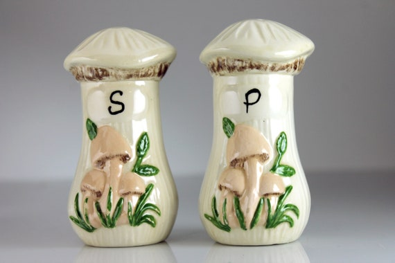 Mushroom Salt and Pepper Set, Ceramic, Shakers, Handpainted, Figural, Kitchen Decor, Collectible