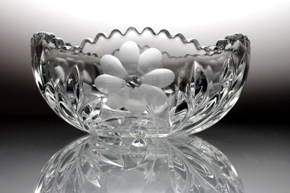 American Brilliant Bowl, Flowers and Leaves Pattern, Center Star, Antique Crystal, Wheel Gray Cut, Clear Glass, Centerpiece, Collectible