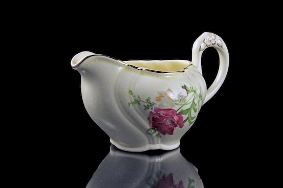 Creamer, TST (Taylor Smith Taylor), Sauce Boat, Ivory, Floral, Gold Trimmed