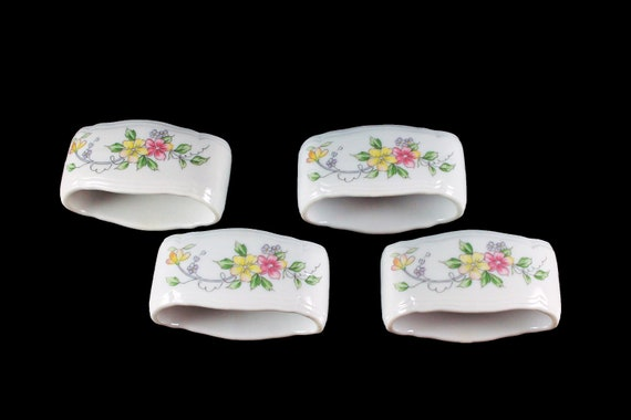 Napkin Rings, Andrea by Sadek, Corona Pattern, Floral Chintz, Porcelain, Set of 4, In Box