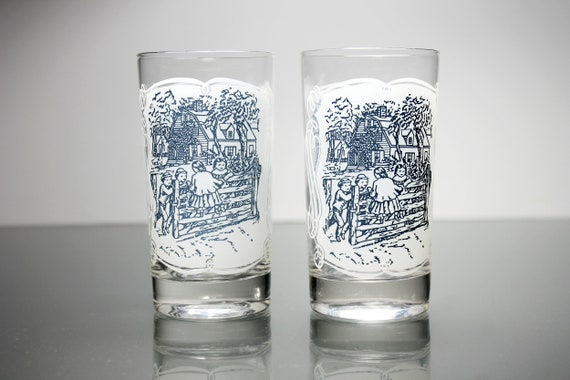 Juice Glasses, Royal USA, Currier and Ives, 8 Ounce, Blue and White, Made in the USA, Set of 2, Collectible