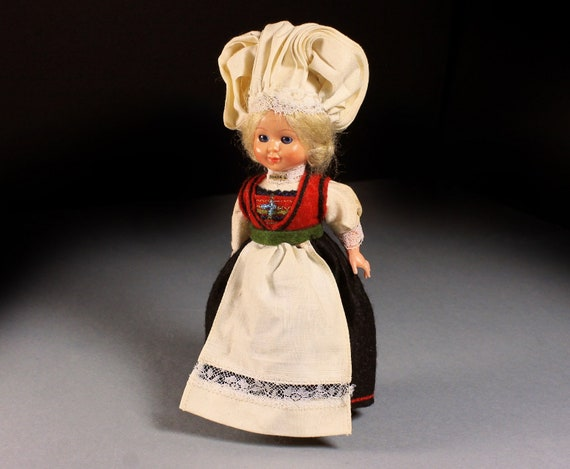 Carlson Doll, Chef Girl Doll, 1950 Collectible, Closing Eyes, Plastic, Hard Body, Display Doll, 7 1/2-Inch Doll