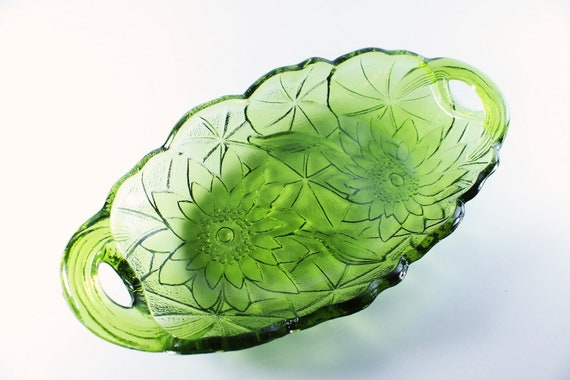 Oval Relish Bowl, Indiana Glass, Lily Pons, Avocado Green, Handled Bowl, Pressed Glass, Serving Bowl, Relish Dish, Floral Design