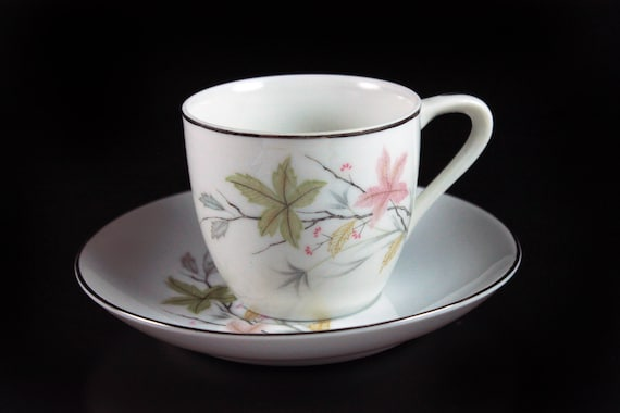 Demitasse Teacup, Economy, Leaf Pattern, Platinum Trim, Fine Bone China, Cup and Saucer, Made in Japan