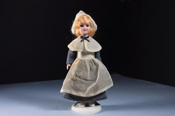 Carlson Doll, Pilgrim Girl Doll, 1950 Collectible, Plastic, Hard Body, Display Doll, Doll With Heart Stand, 7 1/2-Inch Doll, Original Tag