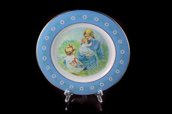 1974 Collectible Plate, Avon, Pontesa, Tenderness, Commemorative, Display Plate, Mother and Children, Decorative Plate, Wall Decor