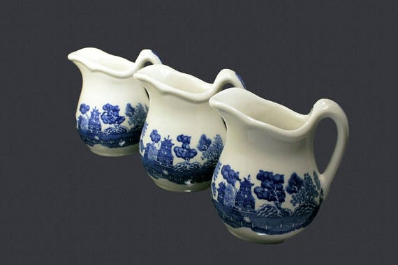 Blue Willow Creamer, Buffalo China, Restaurant Ware, Set of 3, Blue and White, 1930s China, Pitcher, Jug, Collectible