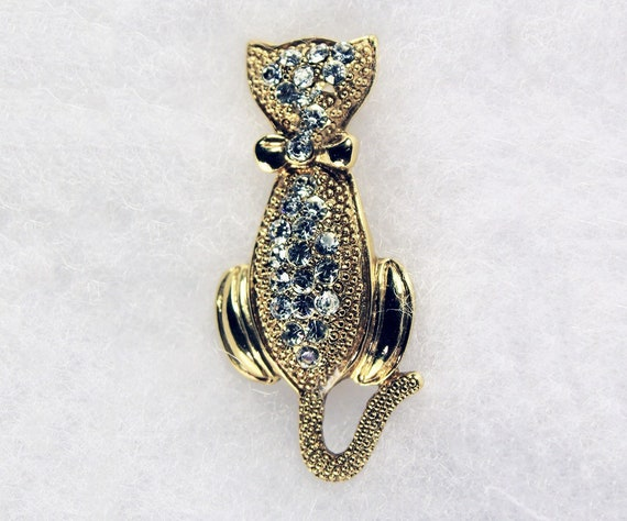 Cat Rhinestone Brooch, Clear Rhinestones, Gold Tone, Locking C Clasp, Fashion Pin, Costume Jewelry, Collectible, Cat Lovers Gift