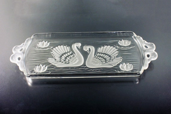Mikasa Swan Tray, Frosted Glass, Clear Glass, Giftware, Serving Tray, Bread Tray, 15 Inch
