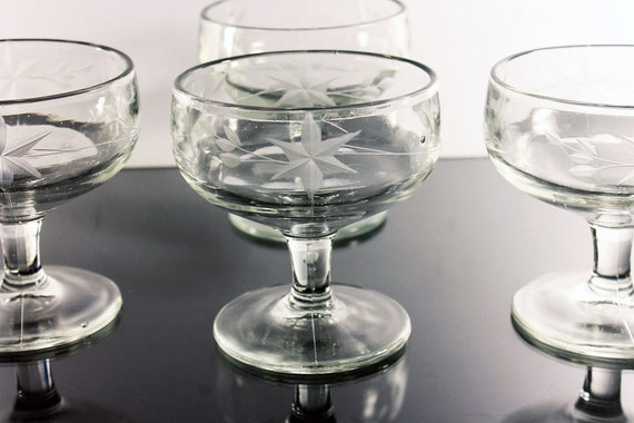 Etched Sherbet Dessert Dishes, Wheel Cut, Star Flower Pattern, Fruit Bowls, Set of 4, Depression Glass, Clear Glass