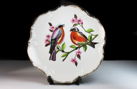 Robin Wall Plate, Decorative Plate, Collectible Plate, Wall Decor, Gold Trim, Embossed