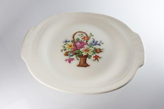 Salem Basket PP Platter, Petit Point, 12 Inch, Handled, Floral