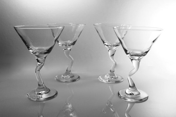 Z Stem Martini Glasses, Libbey, Set of 4, New in Box, 9 Ounce, Clear Glass, Barware