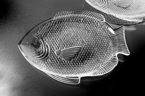 Fish Platters, Fish Shaped, Oven Proof, Made in USA, Clear Glass, Embossed, Set of 2