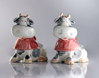 Cow Salt and Pepper Set, Grey and White, Ceramic, Shakers, Figural, Cow Shaped, Farmhouse Decor, Collectible