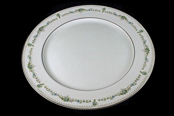 Round Platter, Chop Plate, Japan Delux, Renee