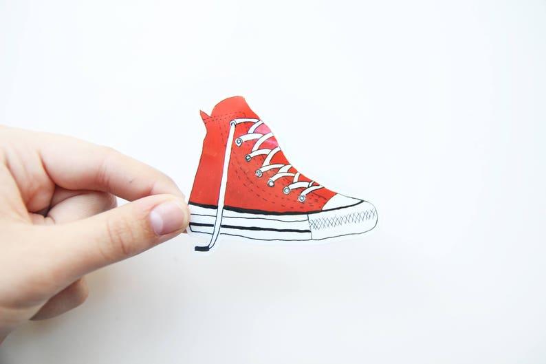 254ea8e740 Rote Vinyl LaptopEtsy Aufkleber Converse Schuh Sneaker QxhdsCortB