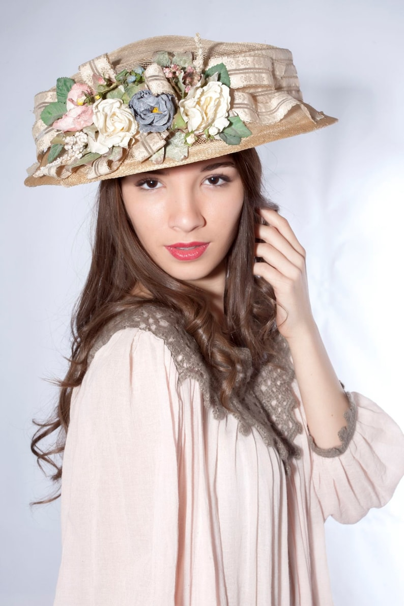 Tea Party Hats – Victorian to 1950s Beige Edwardian hat Downton Abbey hat Melbourne cup hat Kentucky derby hat Wedding Party hat Royal Ascot hat derby style hat $389.00 AT vintagedancer.com