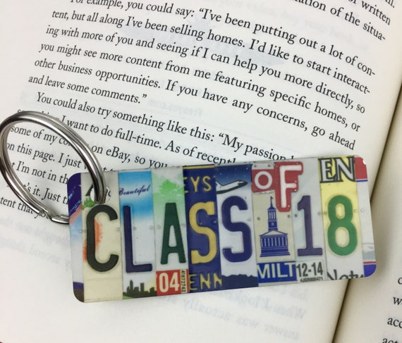 Class of 2018 License Plate Keychain -Key Ring bag tag - Gift for graduation, gift for graduate