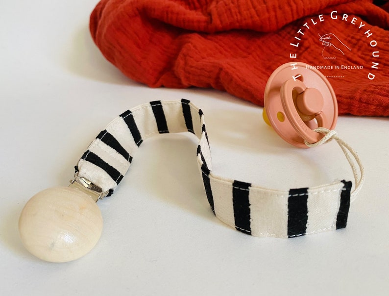 Unisex Gift  Accessory  Teething  Natural Boho Scandi Style Rifle Paper Wonderland Cheshire Stripe Baby Dummy Pacifier Wooden Clip