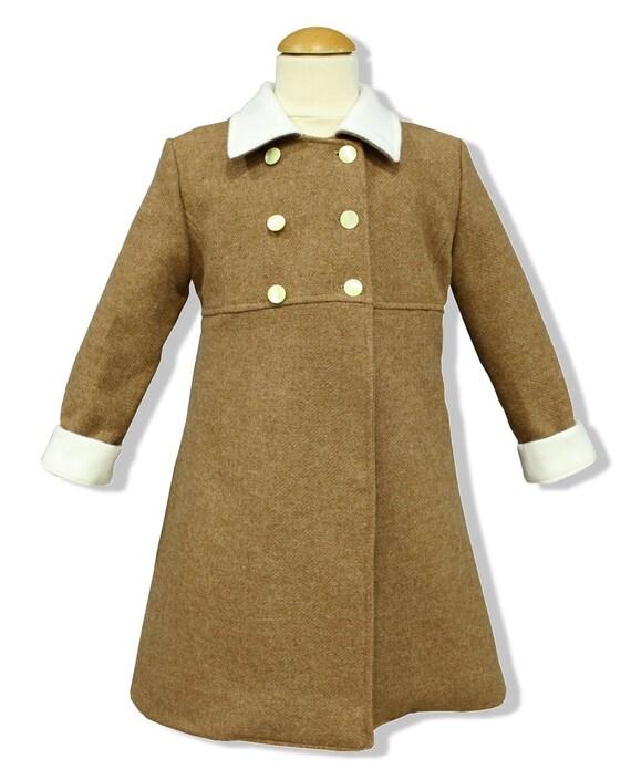 8010603df Abrigo para niña modelo clásico inglés en paño camel con | Etsy