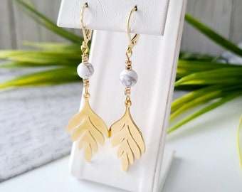 Stainless steel earrings-howlite-gift woman-handmade in Quebec-jewelry-leaf-gold