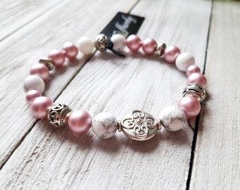 Pink Swarovski crystals and howlite beaded bracelet, handmade in Quebec, Quebec, women gift jewelry