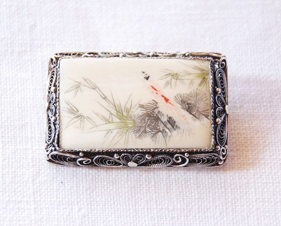 Brooch Pin Chrysanthemum Flower Floral Beautifully Carved Bone Tinted Pink Silver Setting Antique c.1920/'s Asian Chinese Japanese AS IS