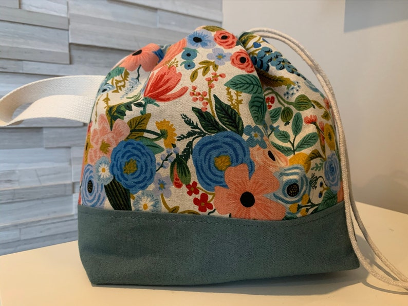 Canvas Finch Drawstring Bucket Bag Floral Rifle image 0