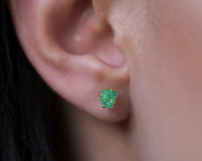 2.00+ Carat Raw Tsavorite Garnet Earrings - Rough Garnet Earrings - Garnet Stud Earrings - Uncut Tsavorite Gemstone - Green Garnet Earrings