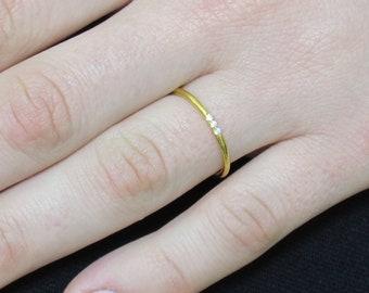 Minimalist Diamond Ring, 14k Solid Gold Diamond Band, 3 Diamond Band, Gold Diamond Ring, Thin Diamond Ring, Knuckle Ring, Diamond Band