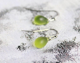 Olive Green Earrings for Daughter Gifts - Emerald Green Jewelry for Grandma - Silver, Light Green, Dangles, Raindrop Earrings for Her Gifts