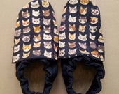 Size Kids 1 & kids size 1.5 combined size classroom shoes. Montessori shoes. Waldorf shoes. Soft soled slippers. Vegan shoes. Ready to ship.