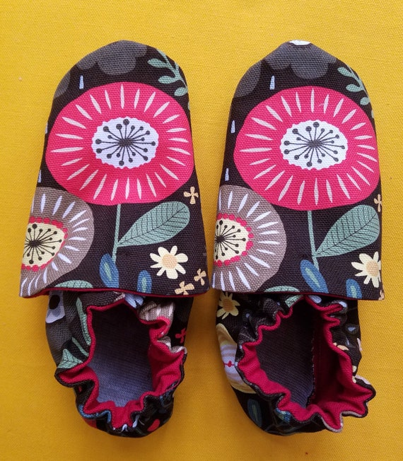 Montessori shoes Size 9 and size 10 combined size classroom shoes Vegan shoes Waldorf shoes Ready to ship. Soft soled slippers