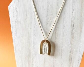geometric quartz necklace, quartz point necklace, u shape necklace, crystal necklace, snake chain, gemstone necklace, quartz pendant