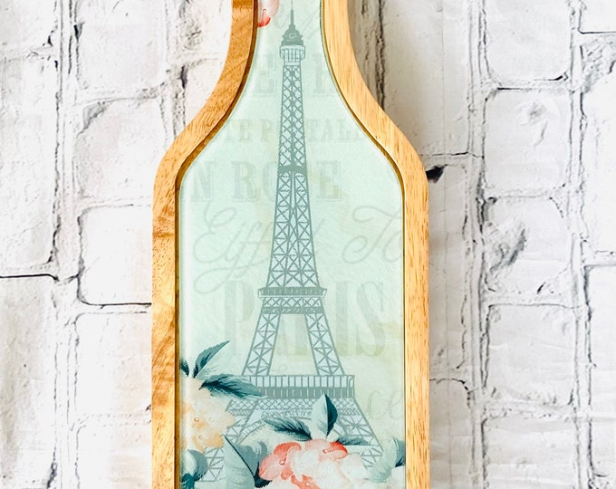 Eiffel Tower wine and cheese set