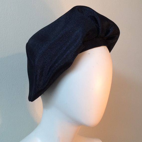 Navy Straw Vintage Beret, Like New Vintage Design,
