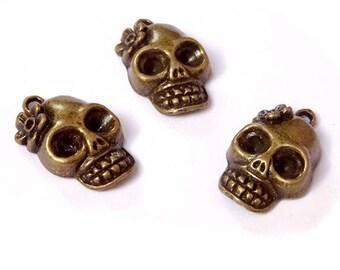 10 charms 22x13mm bronze metal skull / BLQB-08